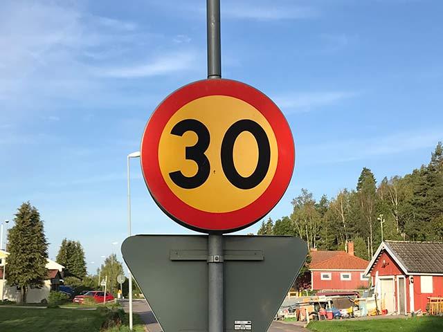 Övre blir 30